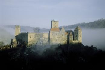 Burg Hardegg Nebel