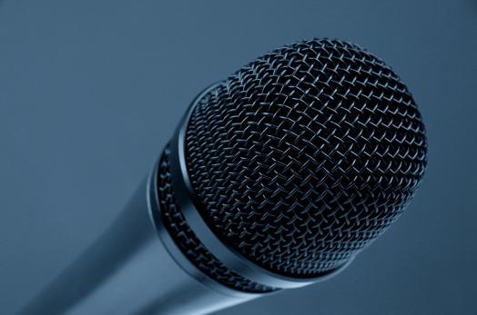 microphone-298587_1280 pixabay