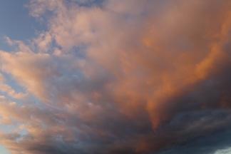 Rötlicher Himmel, Retz