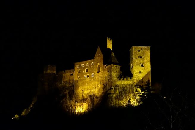 Burg Hardegg Nacht Stativ 1