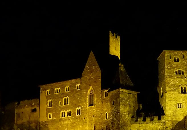 Burg Hardegg Nacht Stativ 2